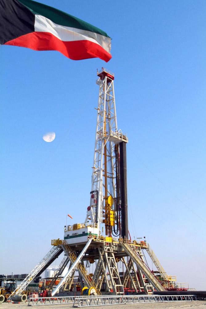 «النفط» يستبعد شركات محلية وعالمية من المشاركة في المشاريع المستقبلية