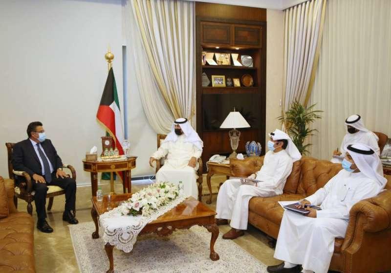 مصر تحتوي الغضب الكويتي سريعاً: إقالة المسؤول المسيء وإحالته للتحقيق الفوري