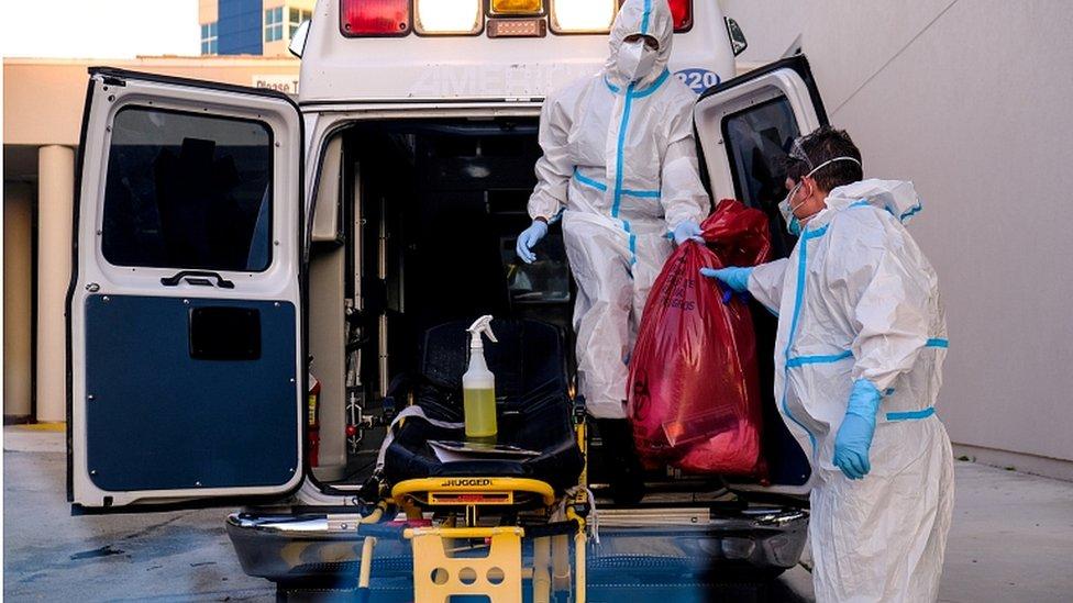 فيروس كورونا: اعتراف مسؤول كبير بالبيت الأبيض بعدم القدرة على السيطرة على الوباء