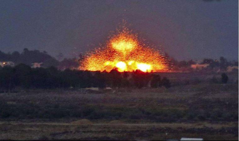 «المرصد»: مقتل 14 مسلحاً موالياً لإيران في ضربات جوية في شرق سوريا