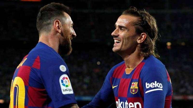 غريزمان ينفي وجود خلافات مع ميسي في برشلونة