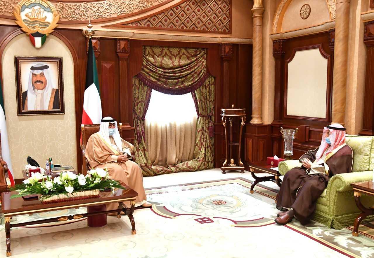 سمو ولي العهد يستقبل الشيخ الدكتور إبراهيم الدعيج