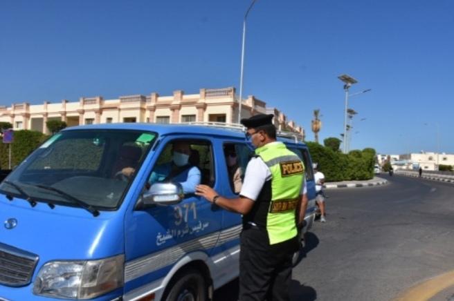 مصر: القبض على 5 آلاف سائق «بدون كمامة» خلال 24 ساعة