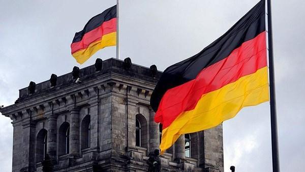 ألمانيا تحث على ضبط النفس بعد مقتل عالم نووي إيراني