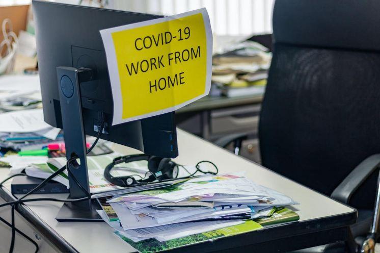 «العمل الدولية» تطالب بحماية قانونية أفضل للذين يعملون من المنزل