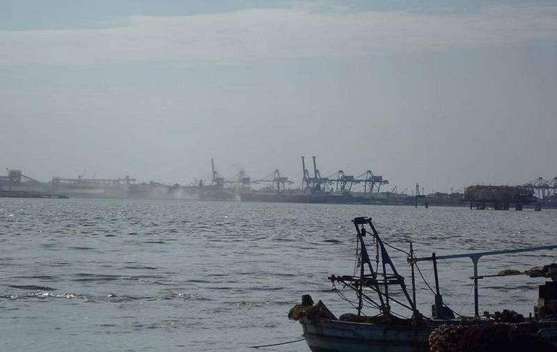 مصر تغلق 6 موانئ على البحر الأحمر لسوء الأحوال الجوية