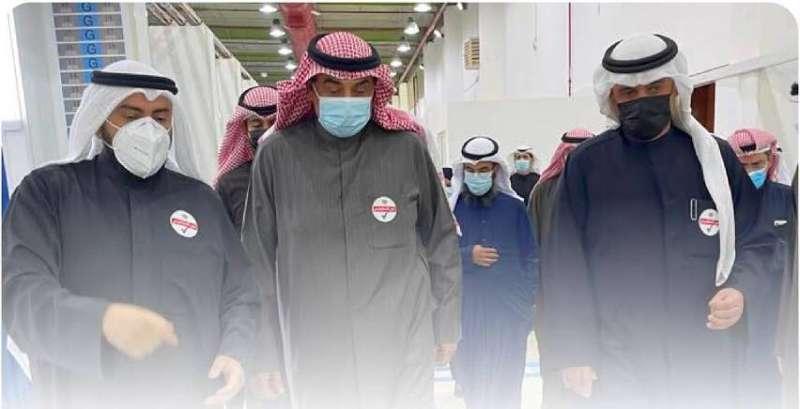 الخالد يدشن قاعة 6 في مركز الكويت للتطعيم