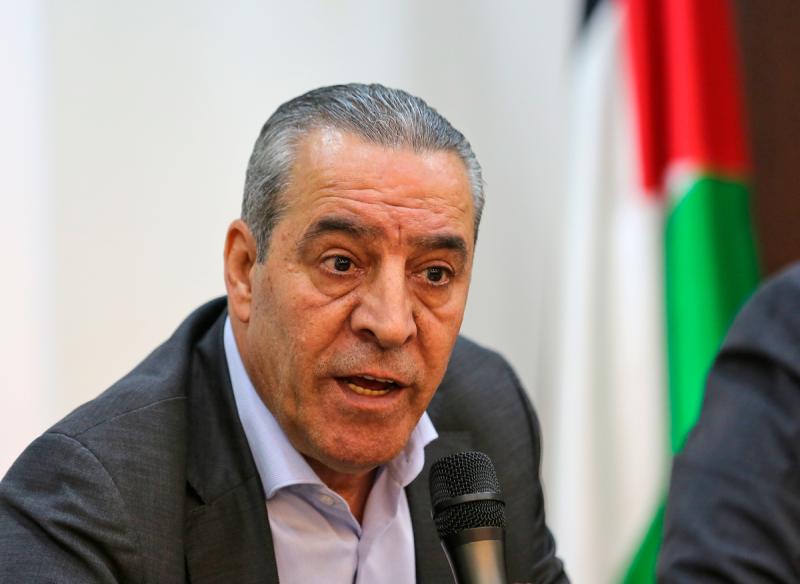 السلطة الفلسطينية تتوقع تسلم أول دفعة من اللقاح الروسي خلال أيام