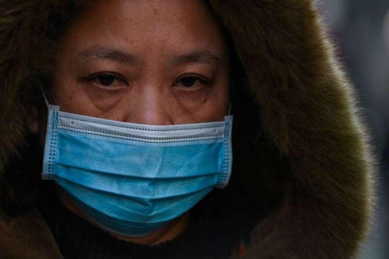 الصين تبني مركزا للحجر الصحي في بؤرة جديدة لتفشي «كوفيد-19»