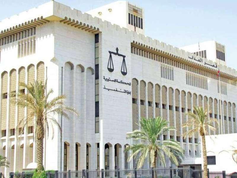 «الجنايات»: حبس مدير في البلدية وموظفَين مصريَين 10 سنوات وموظفة 5 سنوات عن تهمة الاستيلاء على المال