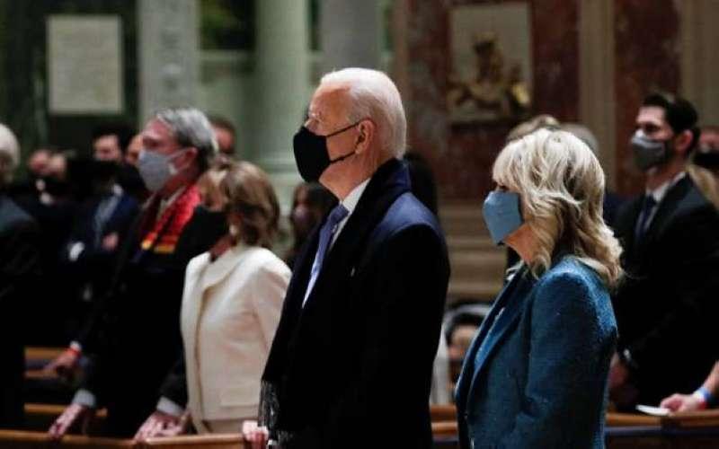 بايدن يستهل فعاليات تنصيبه بحضور قداس في كنيسة بواشنطن