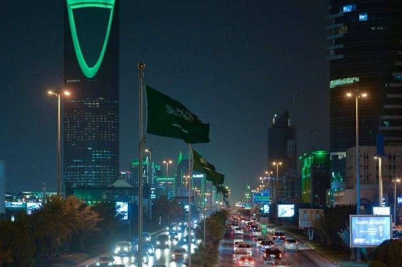 السعودية: تحصيل رسوم إصدار وتجديد إقامات رخص العمل على أساس ربع سنوي