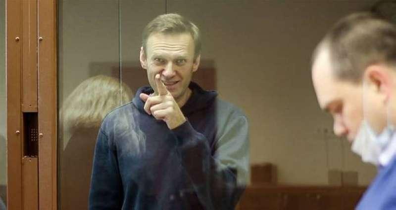الاتحاد الأوروبي يفرض عقوبات بحق أربعة مسؤولين روس على خلفية قضية نافالني