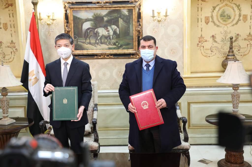 مصر استقبلت 300 ألف جرعة جديدة من لقاح «سينوفارم» الصيني لعلاج كورونا