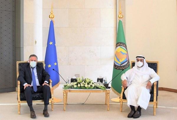 """""""الخليجي"""": ضرورة مشاركة مجلس التعاون في اية مفاوضات تتعلق بالملف النووي الإيراني"""
