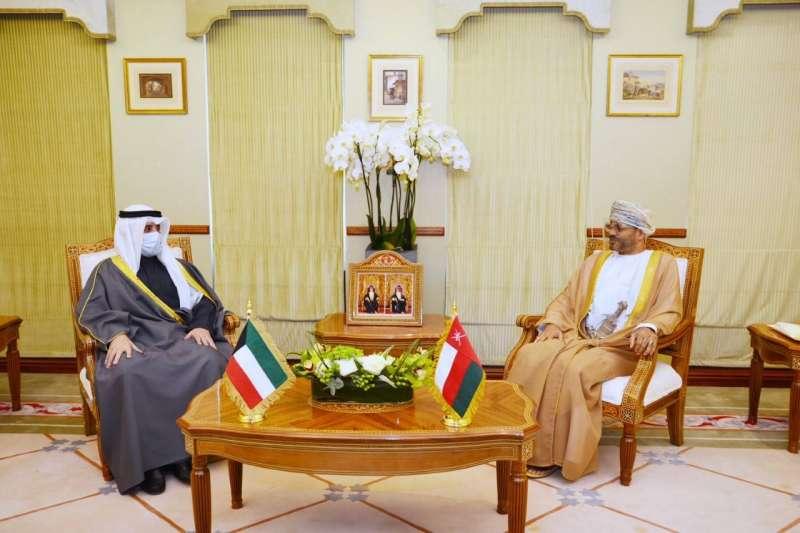وزيرا خارجية الكويت وعمان يؤكدان على تعميقالتعاونالبناء بين البلدين