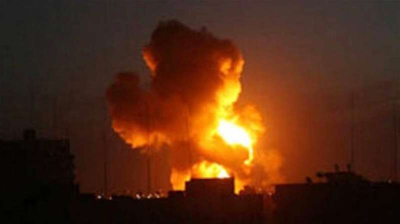 قتيل شخص و11 مصابا في ضربات صاروخية أصابت مصافي نفط شمال سورية