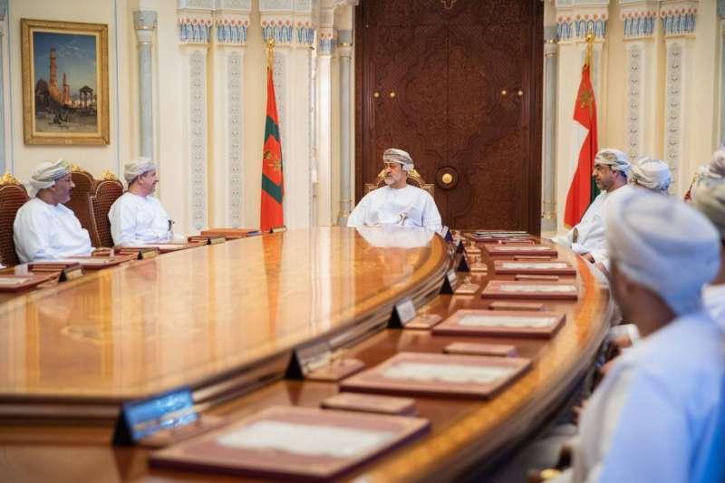 عمان ترفع دعم الوقود إلى 400 لتر شهريا.. وتوسع السلع المعفاة من «القيمة المضافة» إلى 488 سلعة