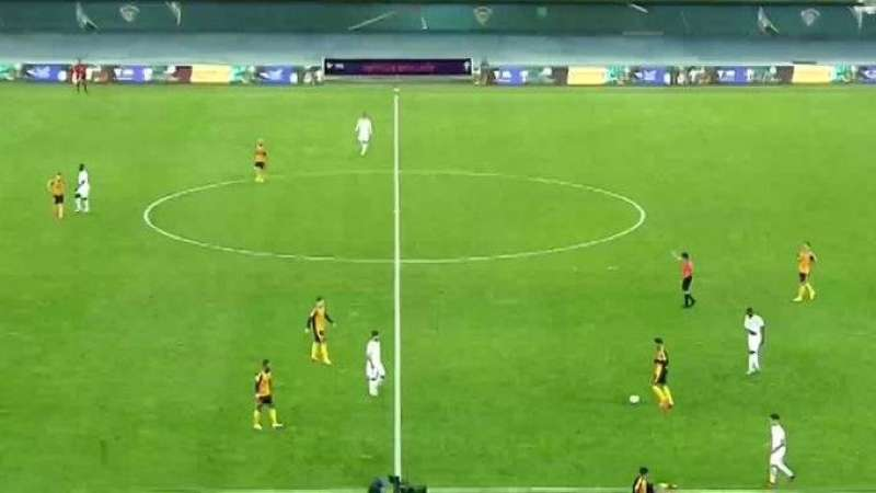 «القادسية» ينهي الشوط الأول متقدما على «الكويت» بهدف في نهائي كأس سمو ولي العهد