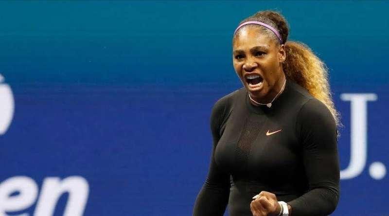 سيرينا تنسحب من دورة تحضيرية قبل أيام من «أستراليا المفتوحة» لإصابة في الكتف