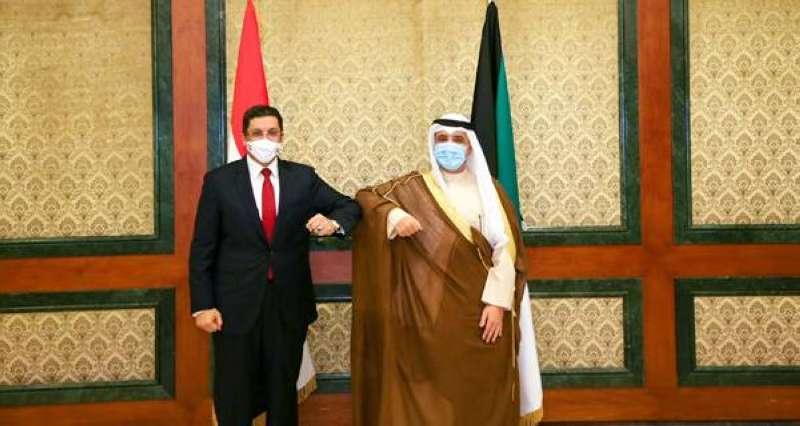 الناصر يبحث مع وزير الخارجية اليمني تطورات المنطقة