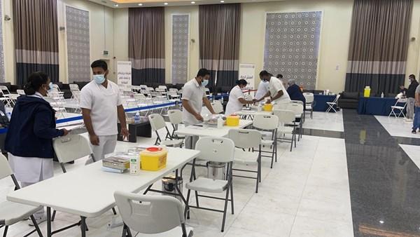 وحدات التطعيم الميدانية تبدأ بتطعيم العاملين في الجمعيات التعاونية