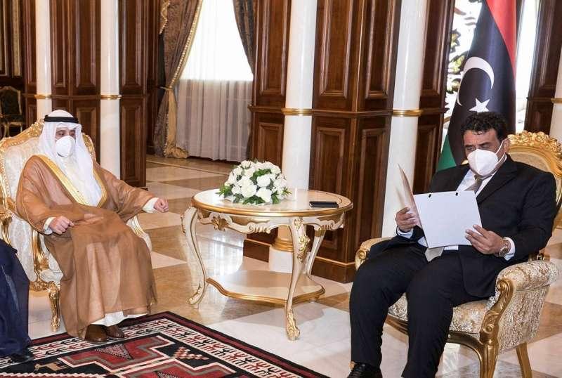 رسالة خطية من سمو الأمير إلى رئيس المجلس الرئاسي في ليبيا سلمها وزير الخارجية
