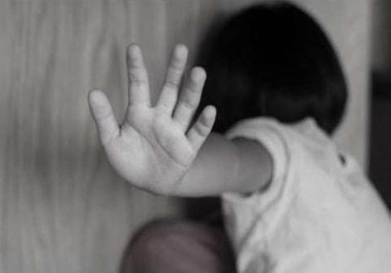 مأساة أخلاقية: «متجنسة» تسمسر على ابنتها القاصر عند شقيق نائب وشيخ!