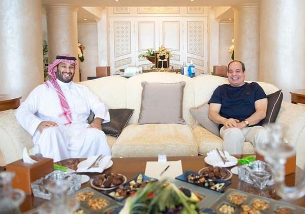الرئيس السيسي يلتقى الأمير محمد بن سلمان في شرم الشيخ