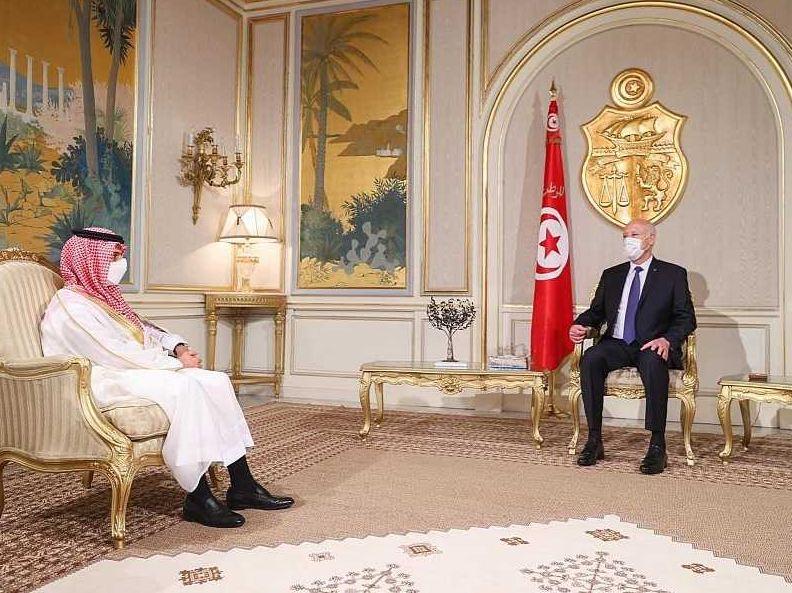وزير الخارجية السعودي: المملكة تحترم قرارات الرئيس التونسي وتعدها أمراً سيادياً