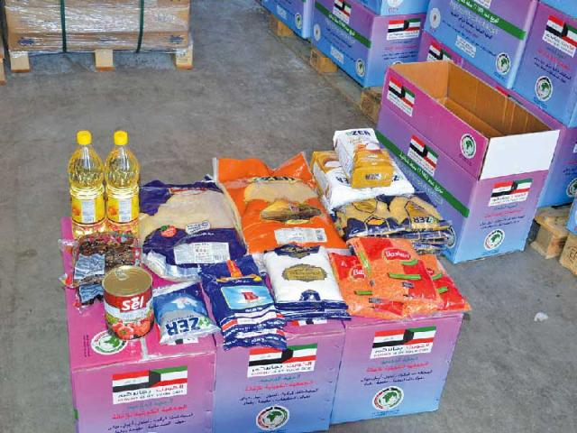 عمر الكندري: توزيع 21 طناً من المواد الغذائية على النازحين بالعراق